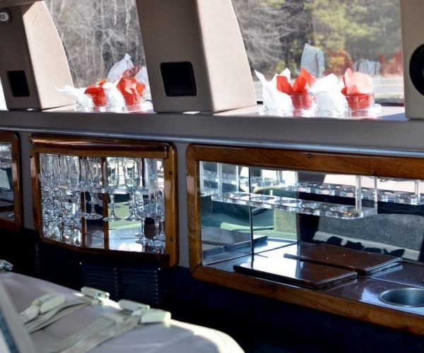 Lincoln Navigator Limo Bar